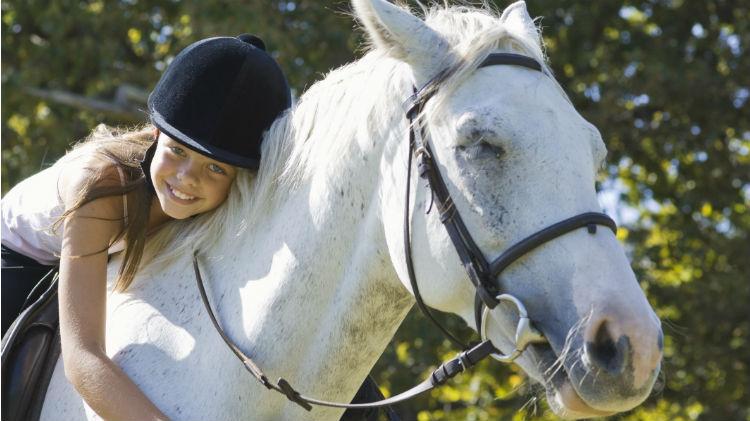 SKIESUnlimited: Horseback Riding (Western Style)
